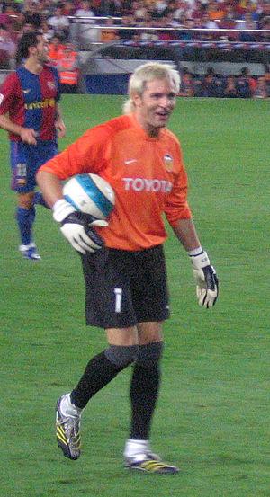Santiago Cañizares - Cañizares playing with Valencia in 2006