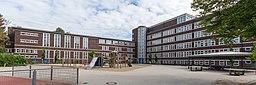 Schule Beim Pachthof (Hamburg-Horn).Hofseite.2.13081.ajb