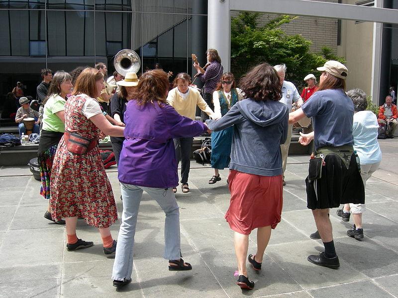 File:Seattle Folklife circle dance 01.jpg