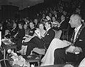 Serie Bezoek koningin Juliana en prins Bernhard aan Friesland Bijeenkomst in …, Bestanddeelnr 904-2140.jpg