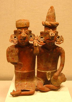 Western Mexico shaft tomb tradition - An ancestor pair from Nayarit, 100 BCE - 200 CE, executed in the Ixtlán del Río style.