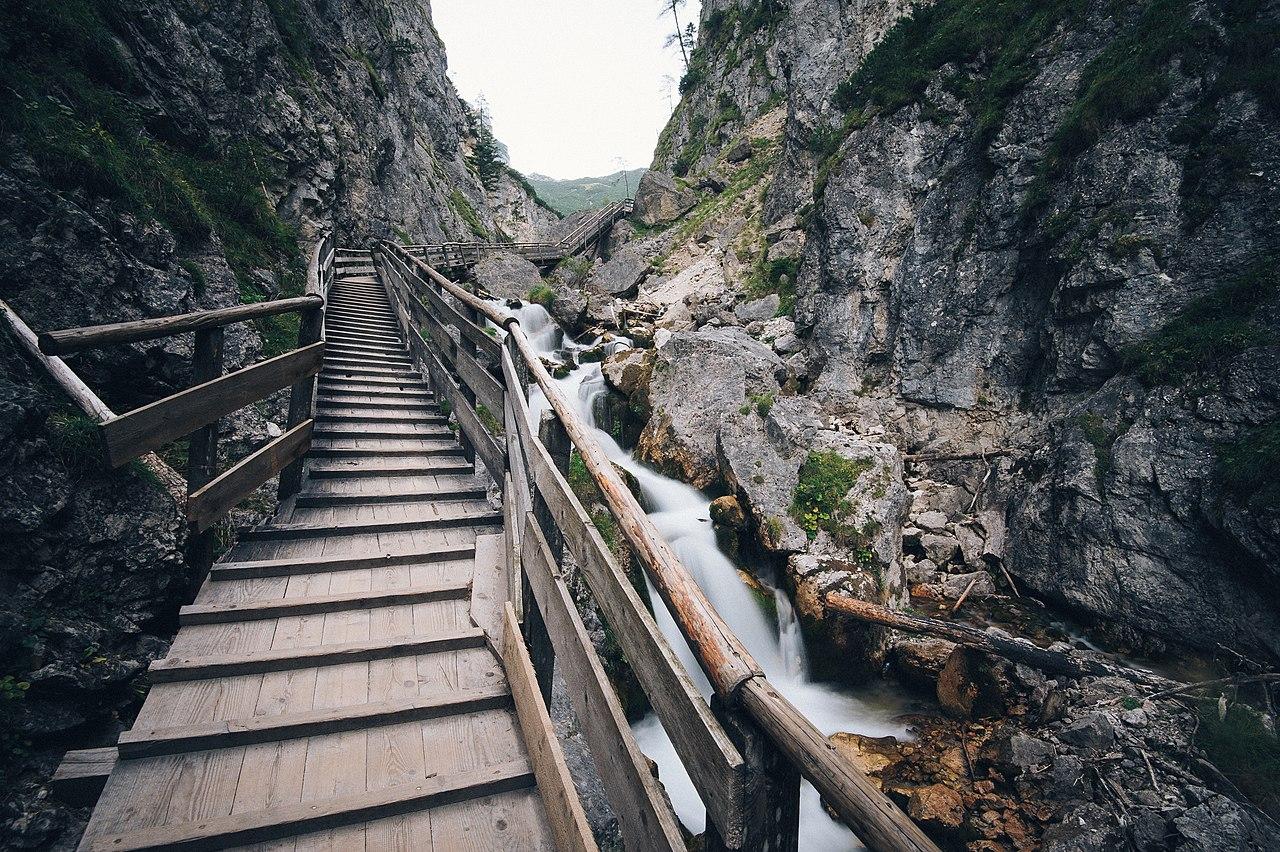 File:Silberkarklamm, Austria (Unsplash hES84VKM7PI).jpg - Wikimedia Commons