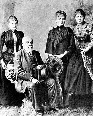 Bronisława Dłuska - Image: Sklodowski Family Wladyslaw and his daughters Maria Bronislawa Helena