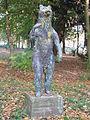 Skulptur Bär im Berliner Park.jpg