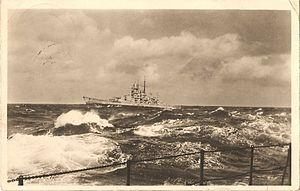 Slachtschiff in schwerer see - photo.jpg