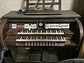 Stadtsteinach Strebel-Orgel Spieltisch.jpg