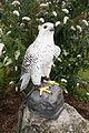 Statue of a falcon (26916588031).jpg