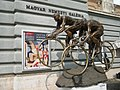 Statue of cyclists (23129706716).jpg