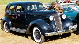 Studebaker 4-Door Sedan 1937.jpg