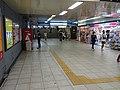 Subway Shijo station concourse 20210606.jpg