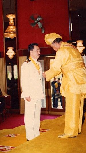 Tengku Putra - TENGKU DATO' SETIA PUTRA ALHAJ receiving DSSA