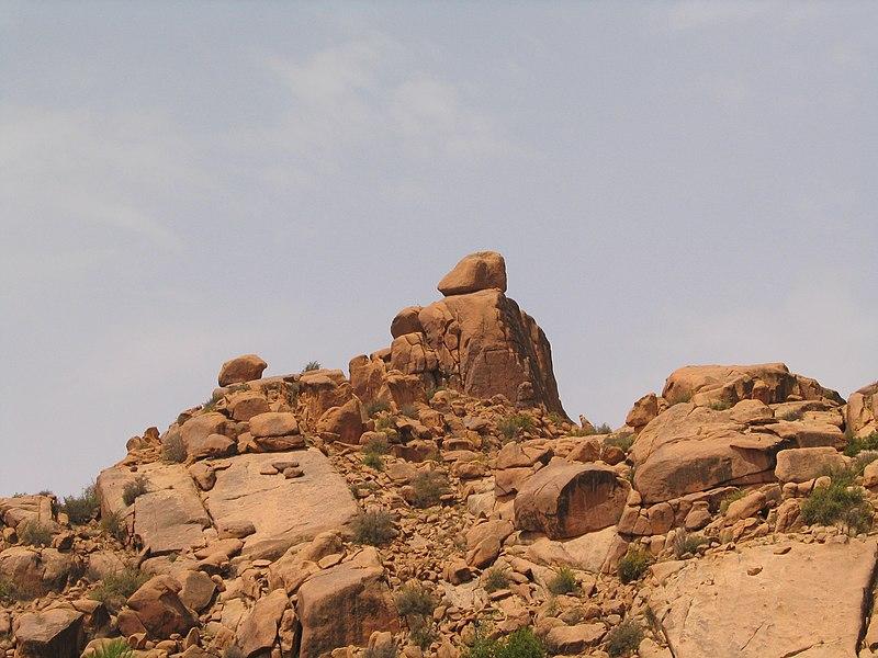 File:Tafraoute rochers (1) 1300.JPG