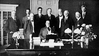 Presidency of William Howard Taft - Taft, seated at center, and his cabinet (September 1910), left to right: Richard Achilles Ballinger, George von Lengerke Meyer, Philander C. Knox, Charles Dyer Norton, Frank Harris Hitchcock, James Wilson, Franklin MacVeagh, George W. Wickersham, Charles Nagel