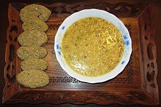 Tarhana - Solid tarhana (left), prepared tarhana (right)