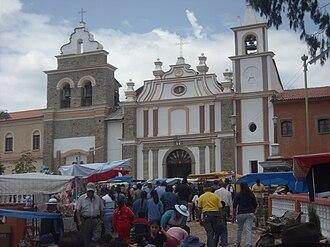 Esteban Arce Province - Image: Templo San José de Tarata