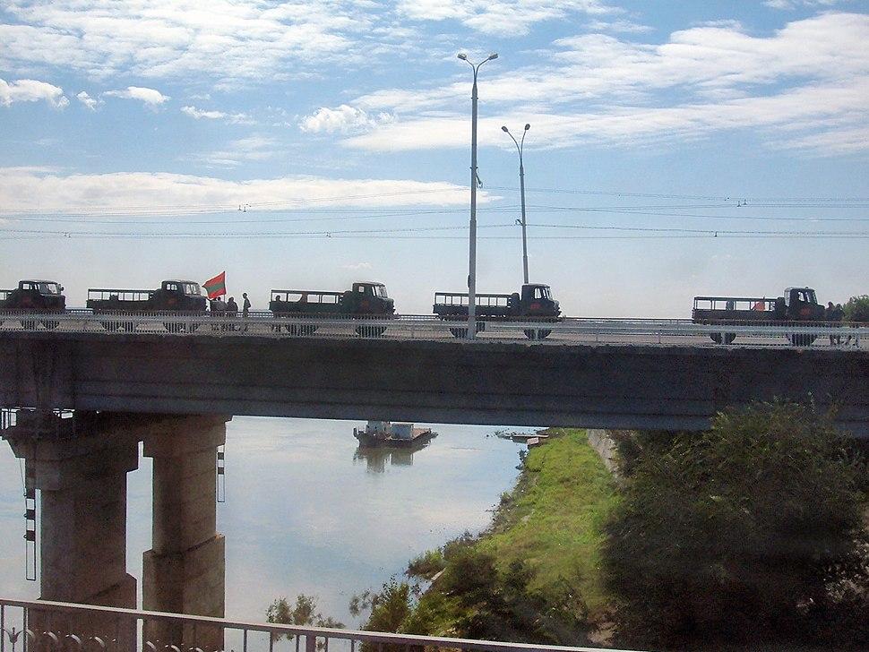 Tiraspol bridge infantry vehicles