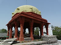 Tomb of Khwaja Sara Basti Khan (3547768701).jpg
