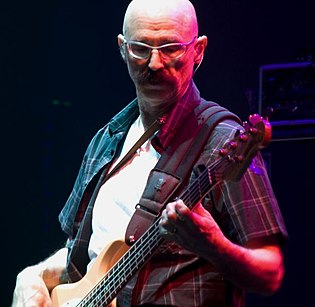Levin performing live with Liquid Tension Experiment at NEARfest 2008 TonyLevin2.jpg