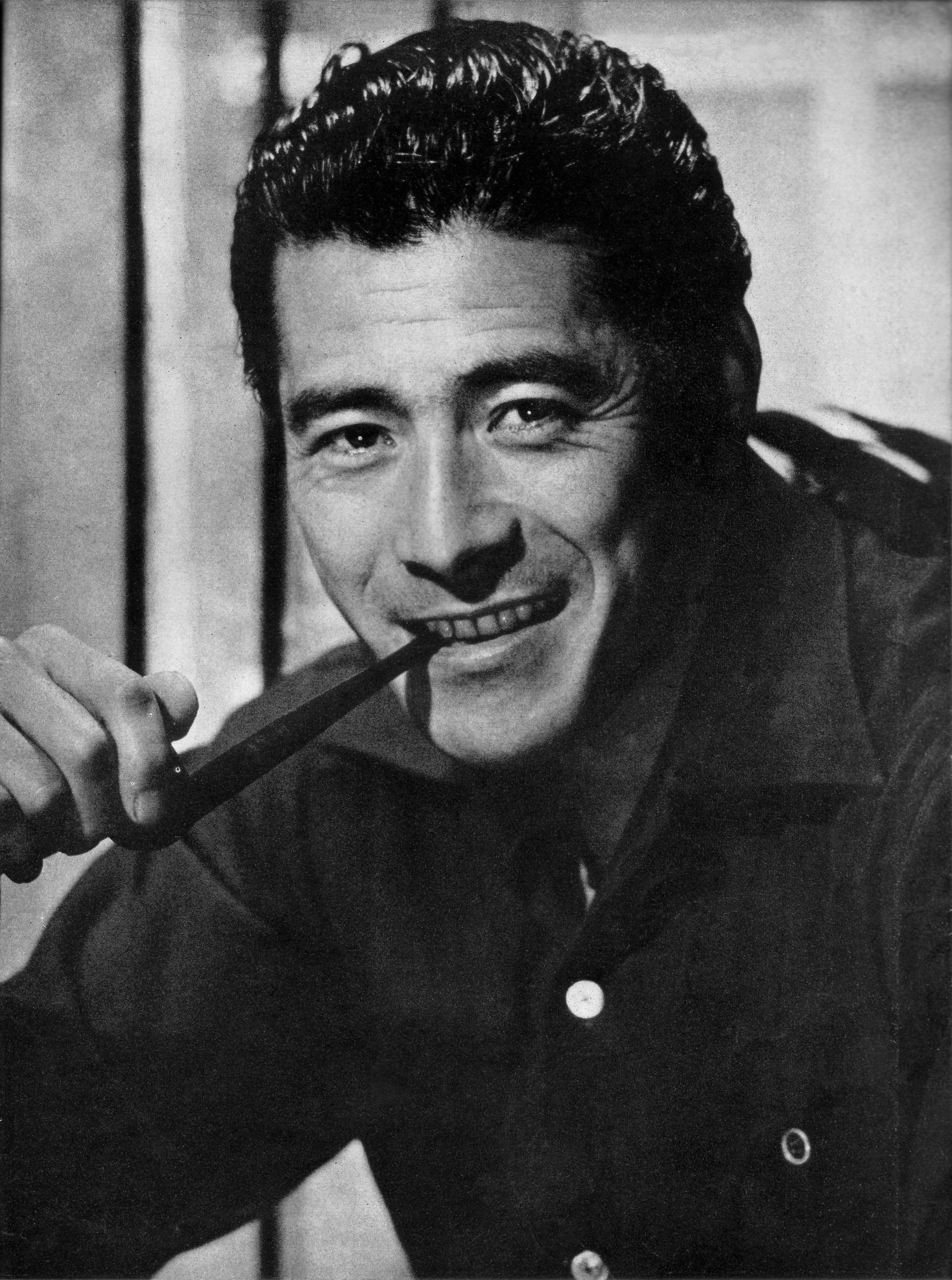 Toshirō Mifune - Wikipedia, la enciclopedia libre