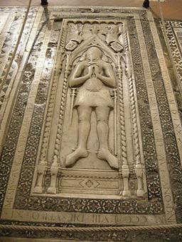 Transetto dx, lapide tomba biordo degli ubertini