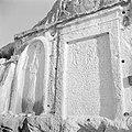 Twee reliëfs in de rotsen van de vallei van Nahr el Kelb, Bestanddeelnr 255-6445.jpg