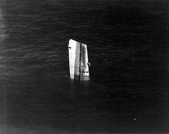 USS Fiske (DE-143) - Image: USS Fiske bow sinking