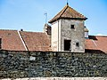 Une tourelle de l'ancienne maison forte.jpg
