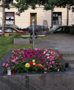 After the Uprising, one grave was left in the streets of Warsaw.