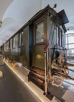 Verkehrsmuseum Dresden Salonwagen 447 der K . Sächsischen Sts. E . B . von 1885 V.jpg