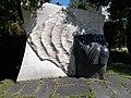 Veszprém 2016, II. világháborús emlékmű (2005, Lugossy László).jpg