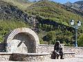 Viella (Hautes-Pyrénées) fontaine.JPG