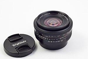 Cosina - Wide angle lens Cosina Voigtländer 20mm f/3.5 Color-Skopar SL II Aspherical
