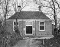 Voorgevel van het Rodeamentoshuis of metaarhuis (reinigingshuis) - Ouderkerk aan de Amstel - 20179152 - RCE.jpg