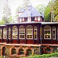 Waldquelle und Waldschlösschen Bad Elster.jpg