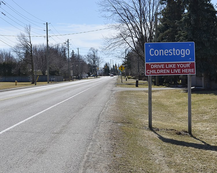 File:Welcome sign - Conestogo, Ontario.jpg