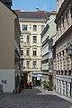 Wien Gutenberggasse Richtung Burggasse 6.jpg