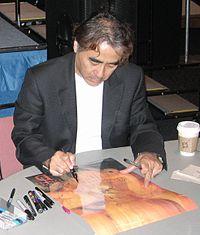 Yoshitaka Amano Oct 2006.jpg