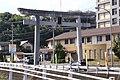 Yusuhara hachimangu Big gate.JPG