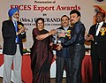 (Smt.) D. Purandeswari presenting the EPCES Export Award to the Managing Director Ms Global Polybags, Virudhbagar, Shri T. Muralidharan, at a function, in New Delhi on September 30, 2013.jpg