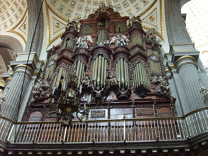 Uno de los órganos de la catedral de Puebla