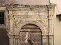Θύρωμα στην οδό Κλειδή 13, Ρέθυμνο 1583.jpg