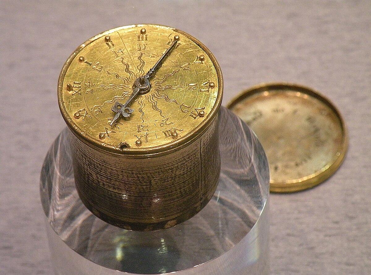 Карманные часы Хенляйна.jpg