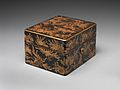 岸蒔絵手箱-Box for Personal Accessories (Tebako) with Shells and Seaweed Design MET DP704172.jpg
