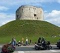 클리퍼드 타워 (Clifford's Tower) - panoramio.jpg