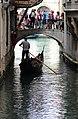 0 Venise, Gondolier sur le Rio di Salvador.JPG