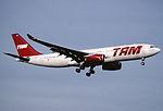 163ag - TAM Airbus A330-243, PT-MSE@ZRH,30.01.2002 - Flickr - Aero Icarus.jpg