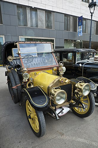 Wolseley Motors - 2.6 litre 14 hp rotund phaeton (tourer) 1908