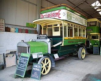 Petrol–electric transmission - Image: 1914 Tilling Stevens double decker bus