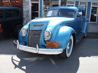 Chrysler Airflow - 1937 Chrysler Airflow