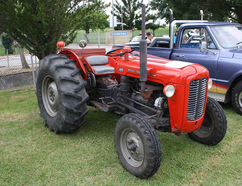 file 1958 massey ferguson 35 tractor 12403647404 jpg. Black Bedroom Furniture Sets. Home Design Ideas